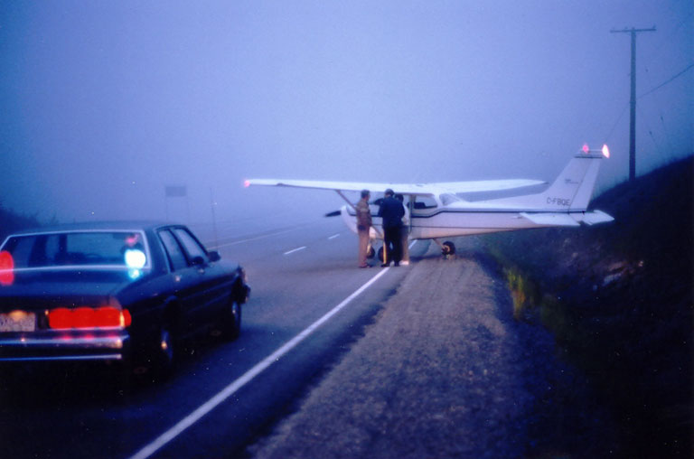 25. Cessna 172, Hope-Princeton Highway - The Ultimate VFR - Off Airport Landing