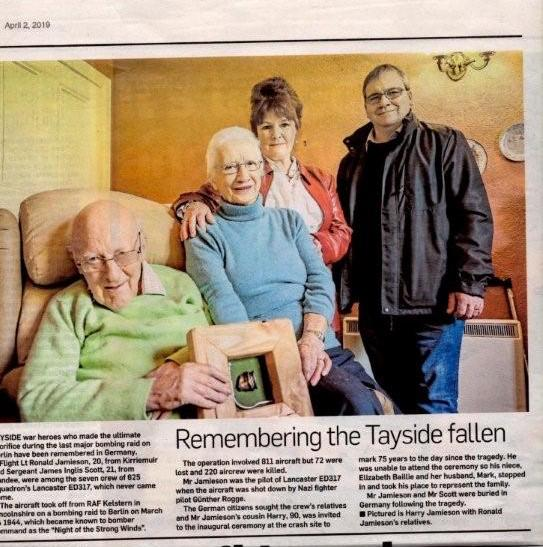 18. Evening Telegraph, l.-r., Harry and Maimie Jamieson, Elizabeth and Mark Baillie with ED317 Memorial Plaque